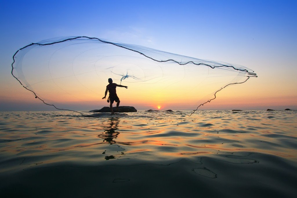 To catch uhu be an a ama traditional hawaiian fishing for Fish catching net
