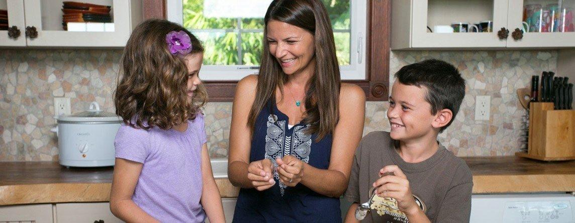 Keiki In The Kitchen After School Snack With Maui Mom Sarah Burns Edible Hawaiian Islands Magazine