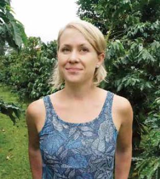Kelleigh stewart hawai i island edible hawaiian islands magazine for Craigslist maui farm and garden